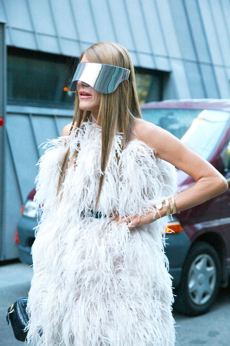 anna-dello-russo-holographic-The fashion tag.commask