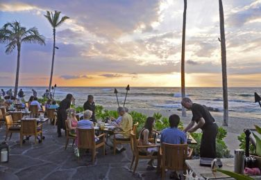 sunset-at-ulu-4-seasons-hualalai-72dpi-0801_r640x453